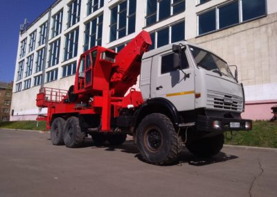 Услуги автовышки 45м hansin HS4570 на базе КамАЗа вездехода в Ярославле